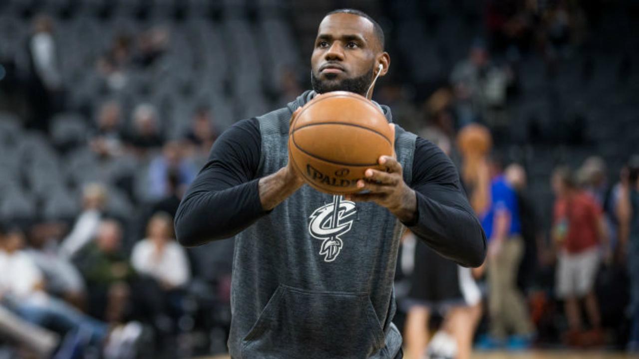 LeBron James to sit out regular season finale vs. Raptors
