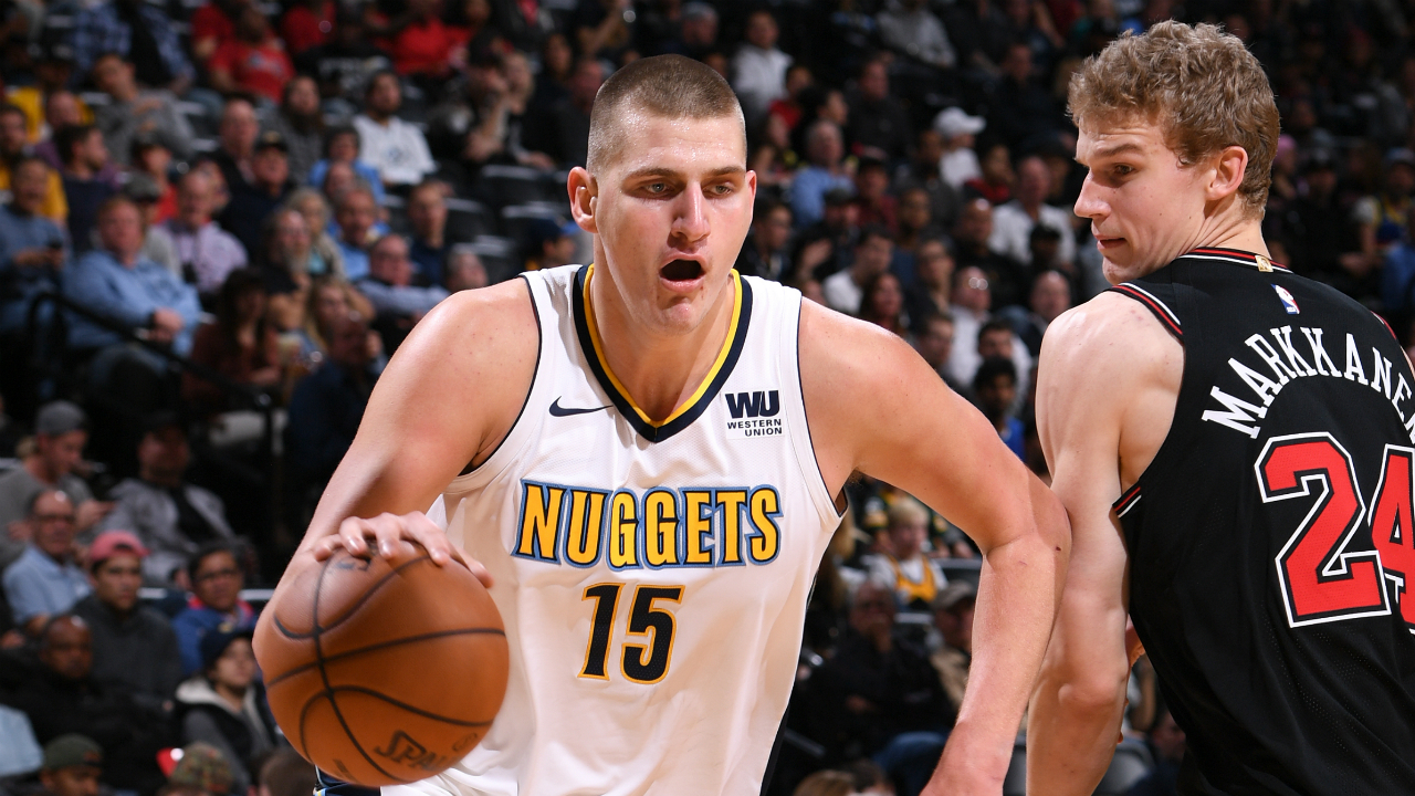 Nuggets' Nikola Jokic leaves game with sprained left ankle, X-rays negative