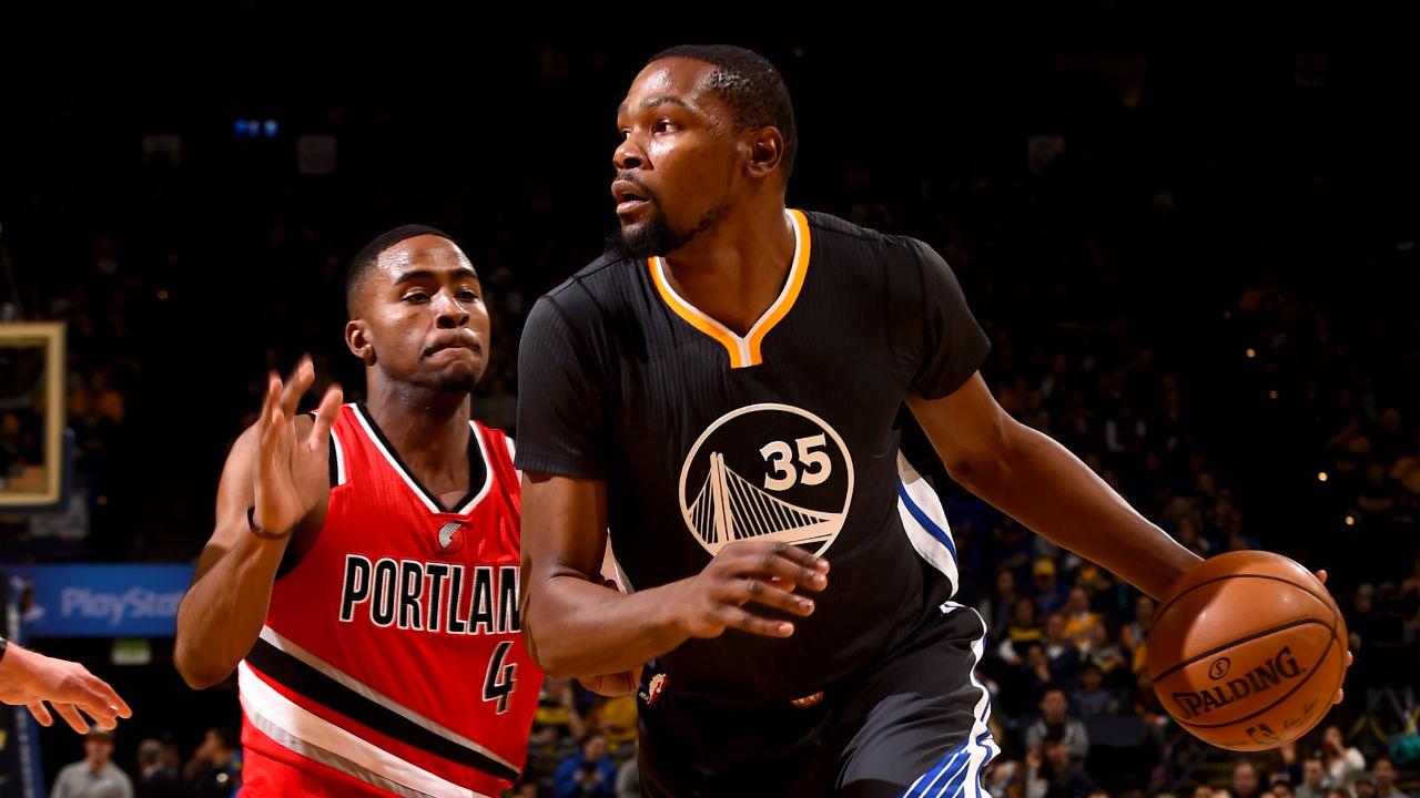 Curry scores 30, Warriors edge Pelicans 113-109