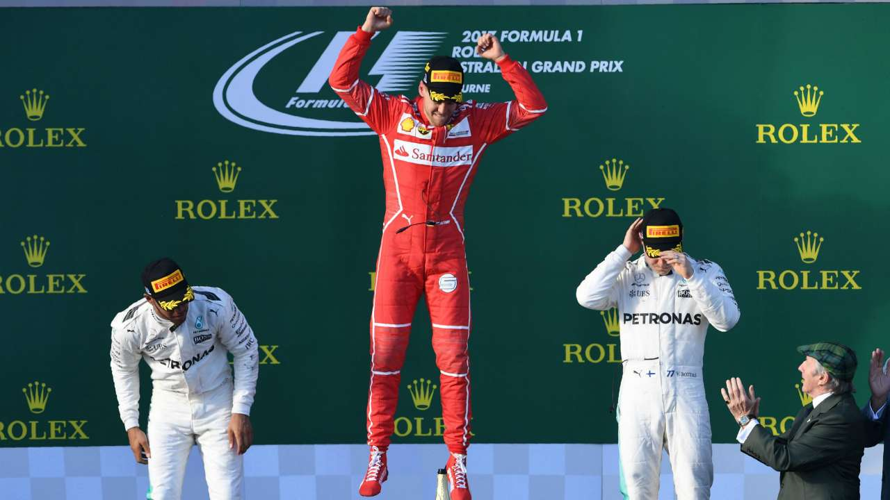 Vettel beats Hamilton to Australian GP glory