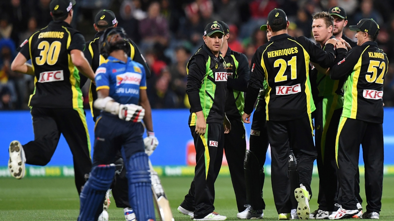 Dickwella banned after T20 dissent