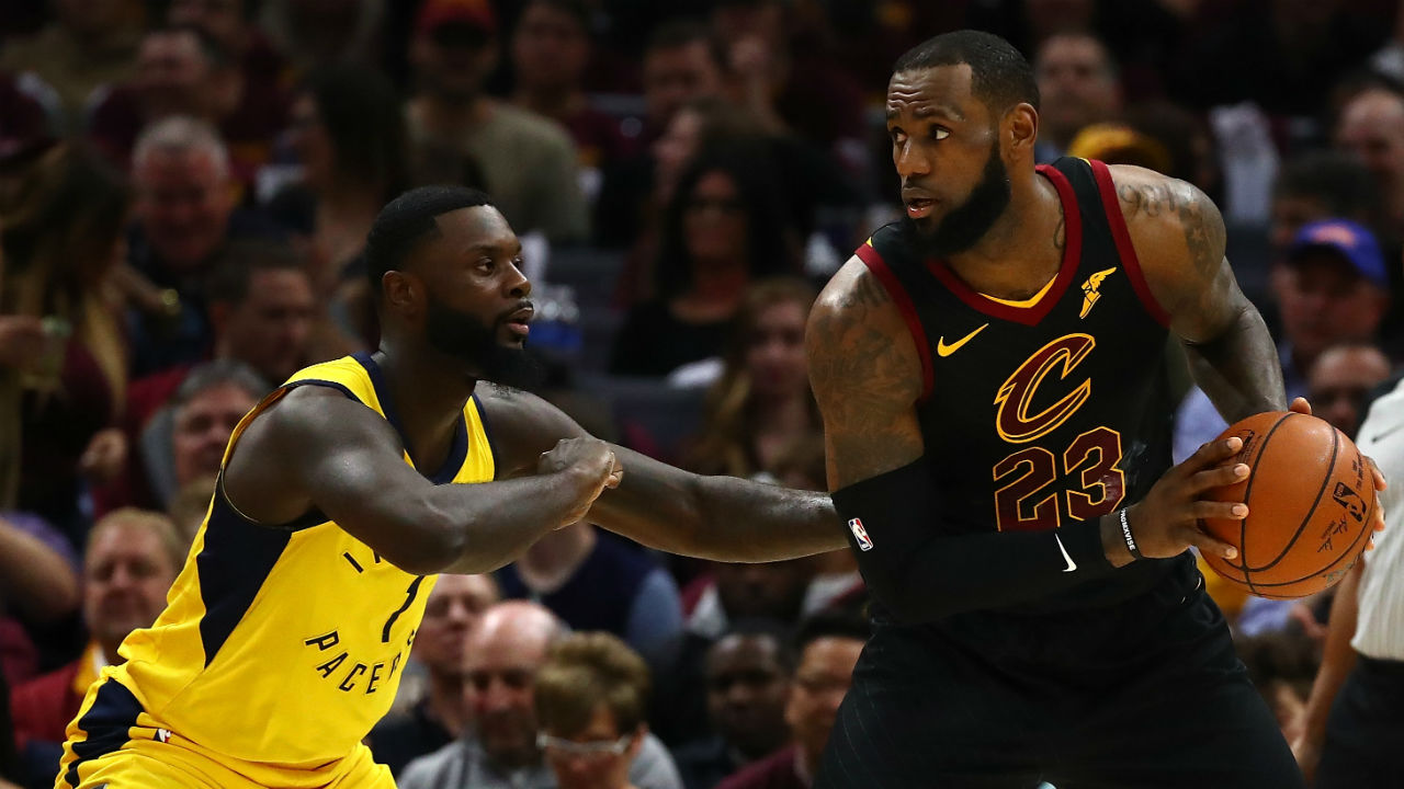 LeBron James Speaks to Cleveland GM as Free Agency Opens