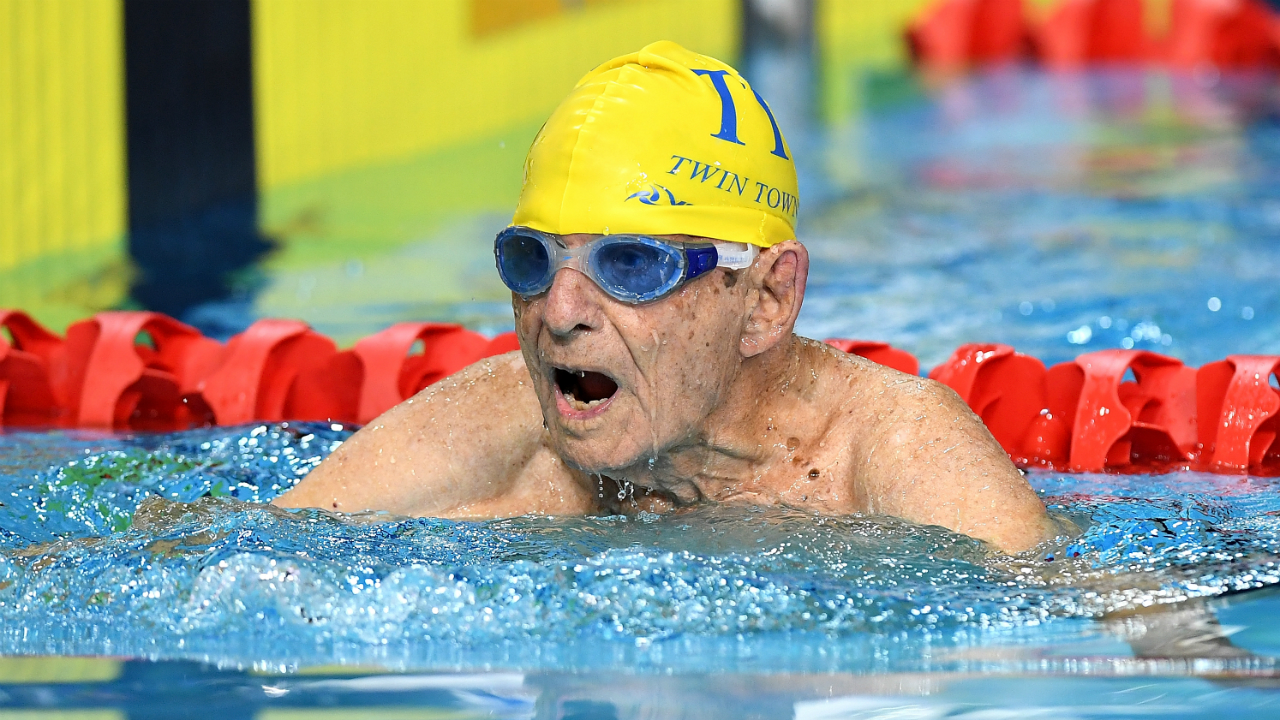 99-year-old smashes age world record in pool