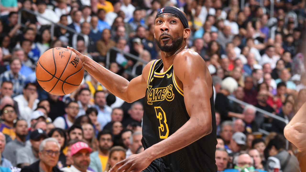 Thunder expected to sign former Laker Corey Brewer