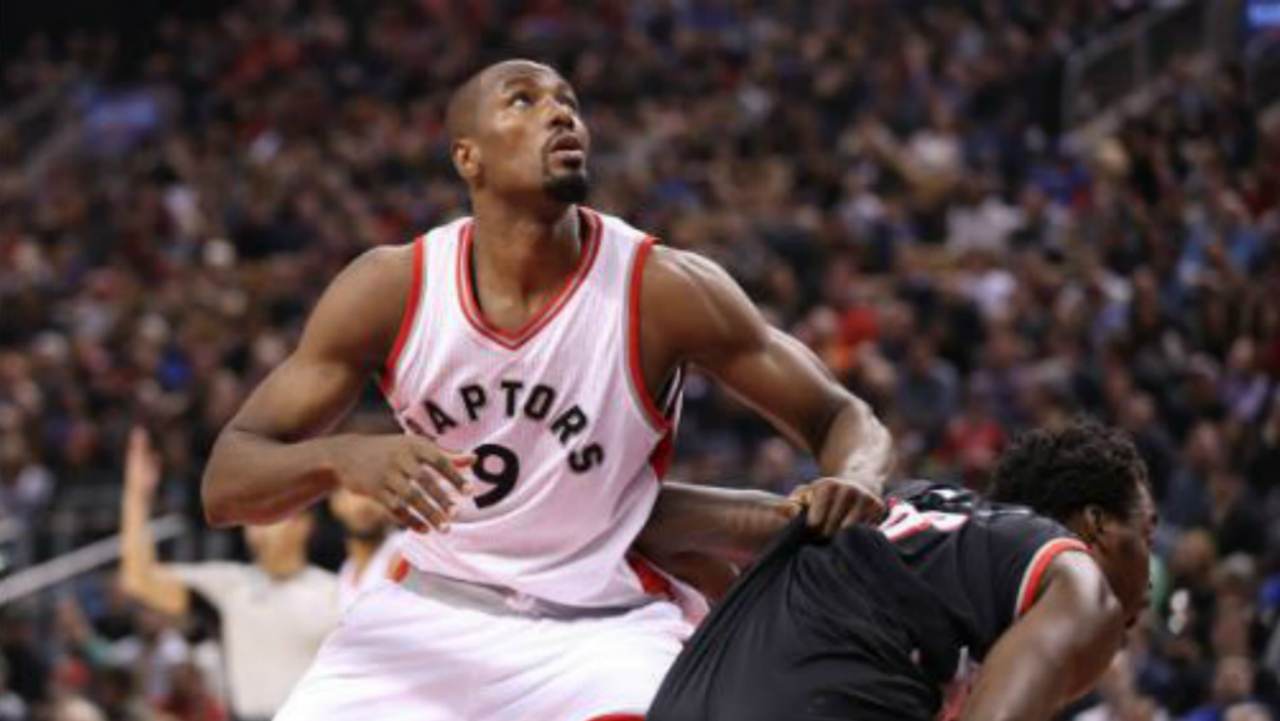Lowry to have wrist surgery, hopes to return for playoffs