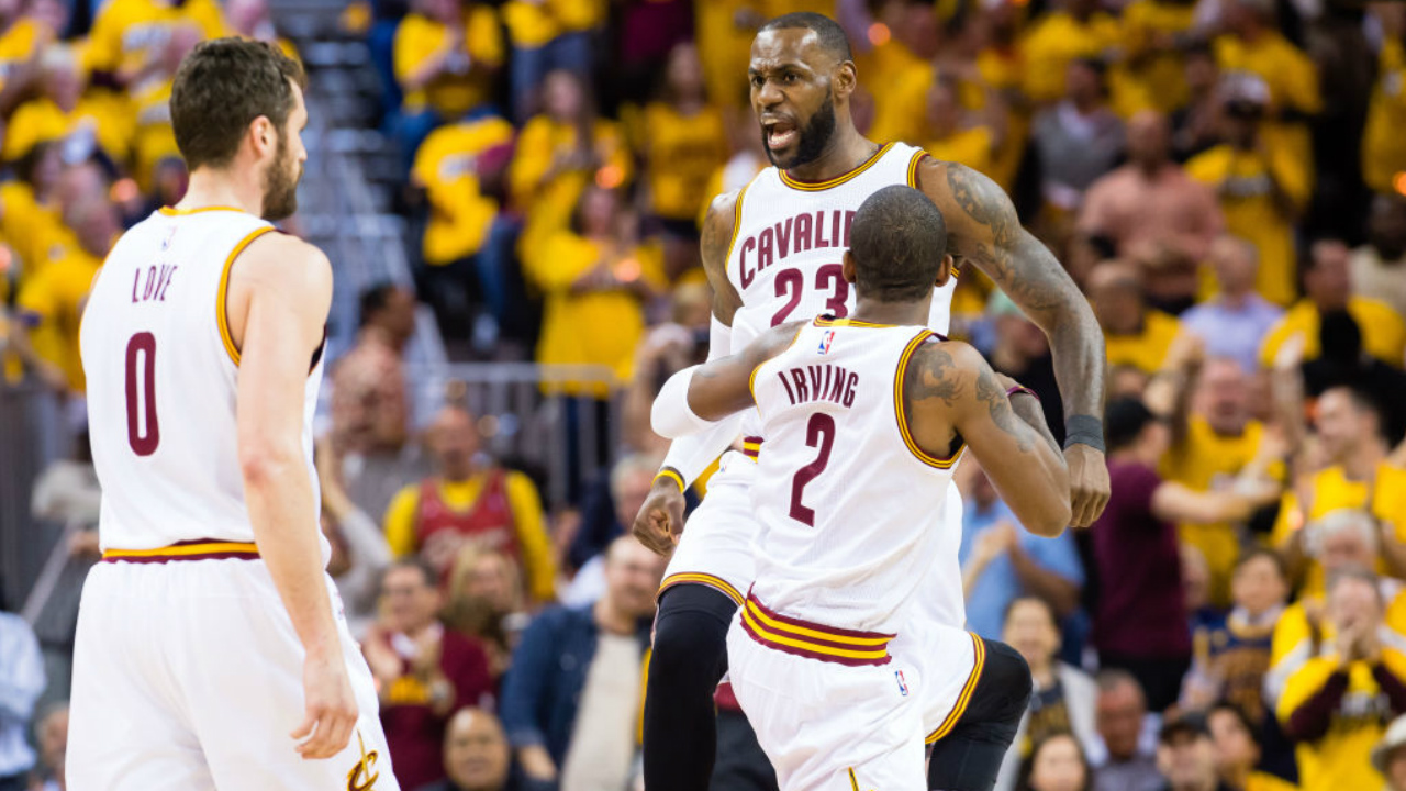 Happy hour: LeBron scores 35, grabs beer as Cavs top Raptors