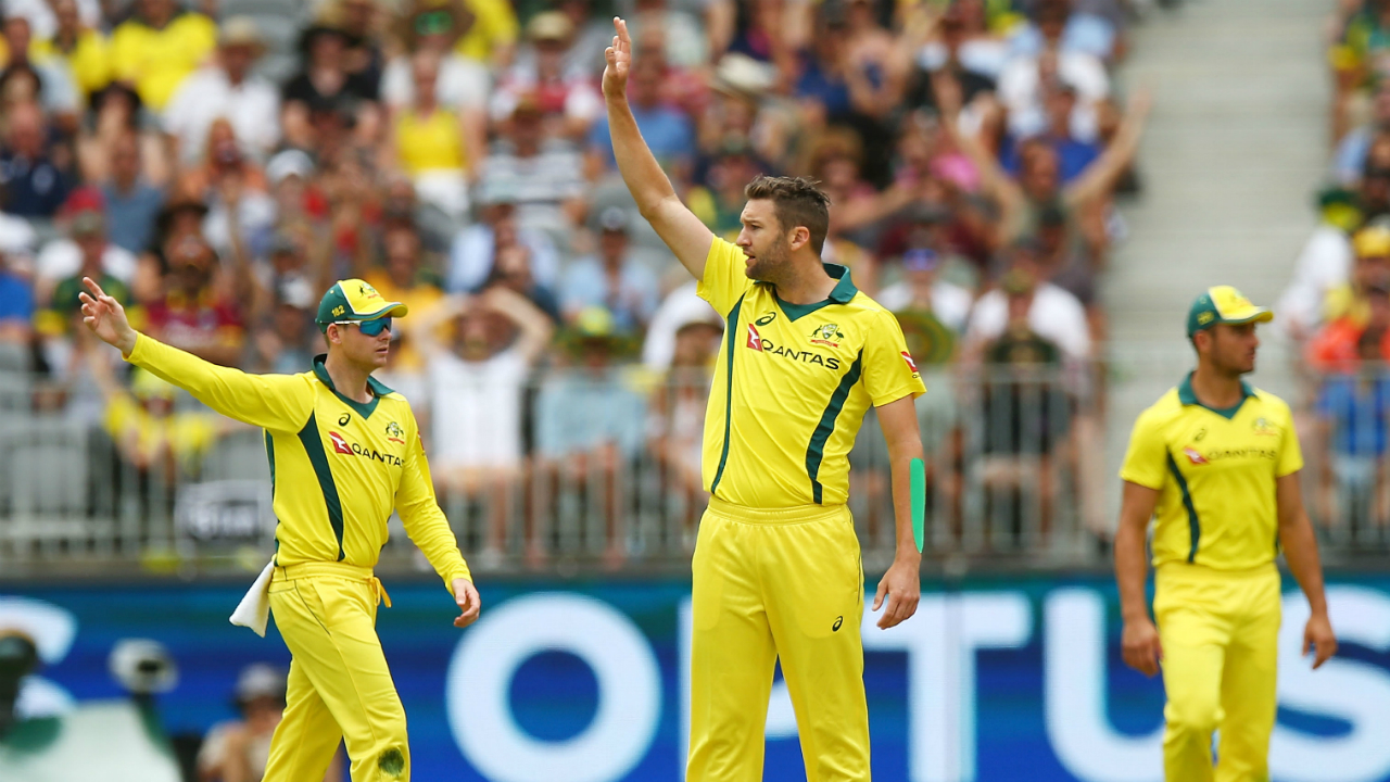 Trans-Tasman Twenty20 Trophy: Australia beat England by five wickets
