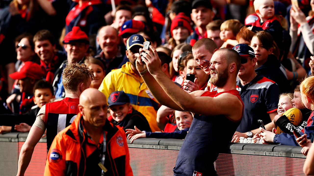 #Melbourne supporters fans crowd max gawn