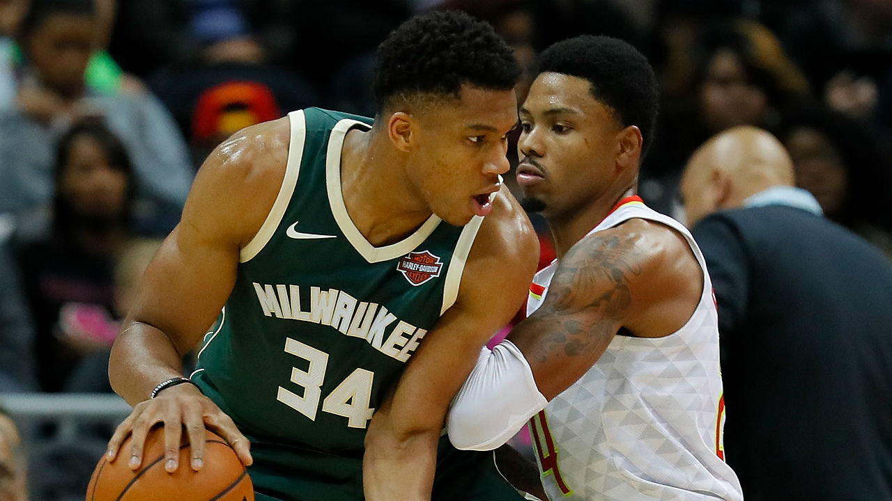 Dominant Antetokounmpo guides Bucks to big win over Hawks