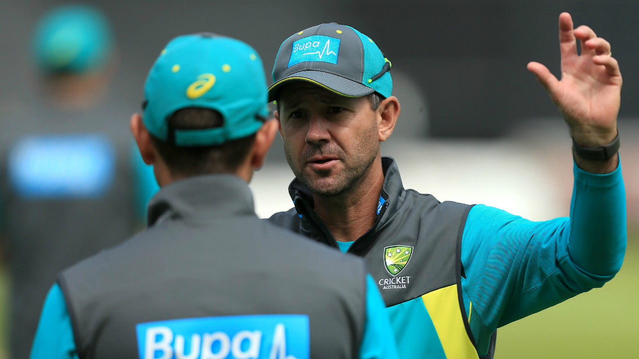 Morgan out as Australia bowl against England in 2nd ODI