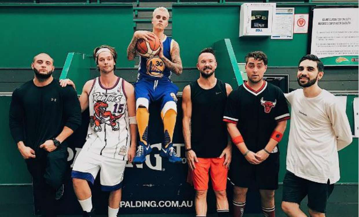 Cavs fan Justin Bieber played pick-up game in Steph Curry uniform