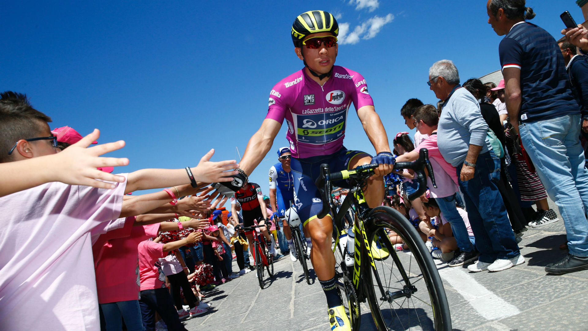 Gaviria wins 3rd stage of Giro to move into overall lead