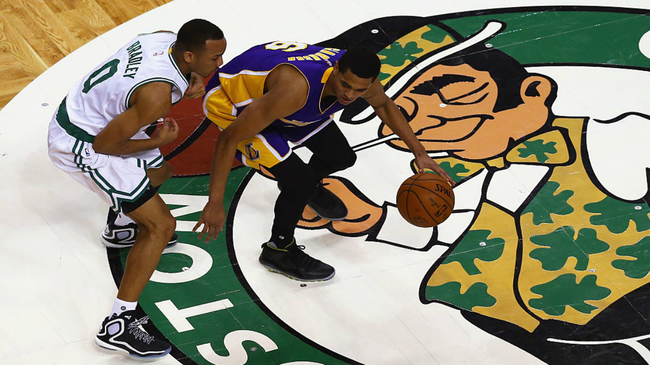 Thomas scores 38 points, Celtics beat Lakers 113-107