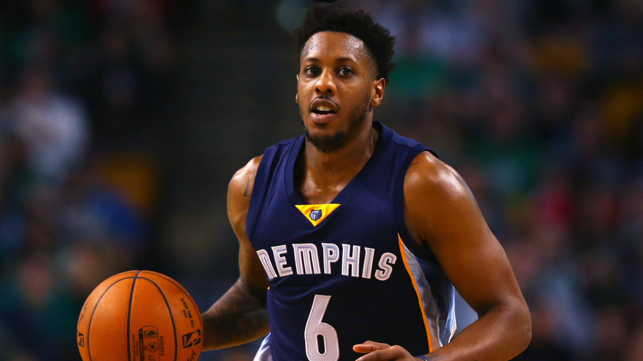 Grizzlies sign free agent Mario Chalmers