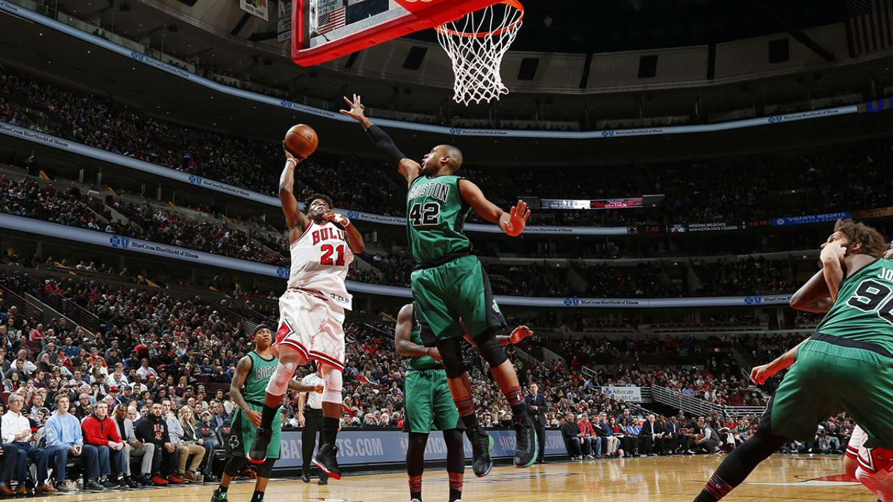 Bulls steal late win against C's, 104-103