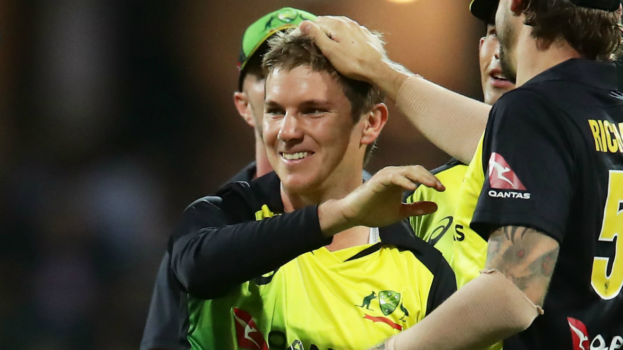 T20 Tri-series 2nd Match: All-round Maxwell flattens England