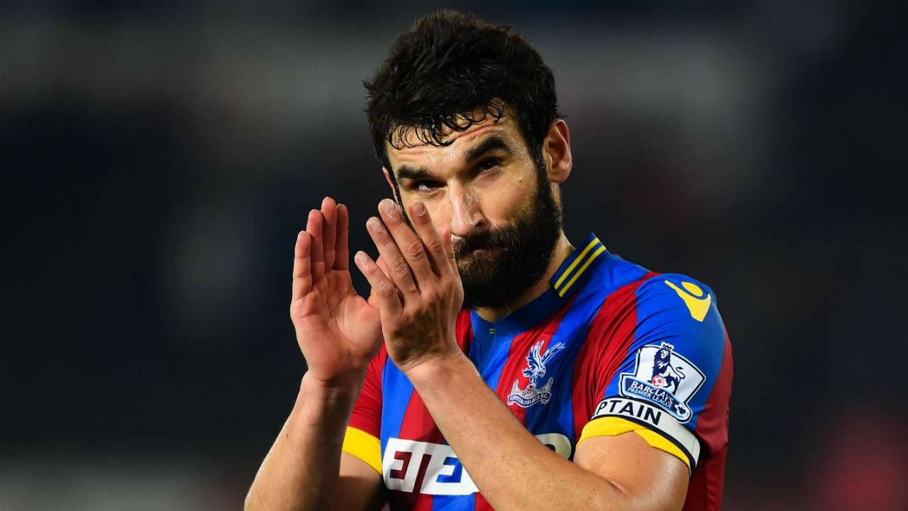 Pardew defends Jedinak over Sakho elbow