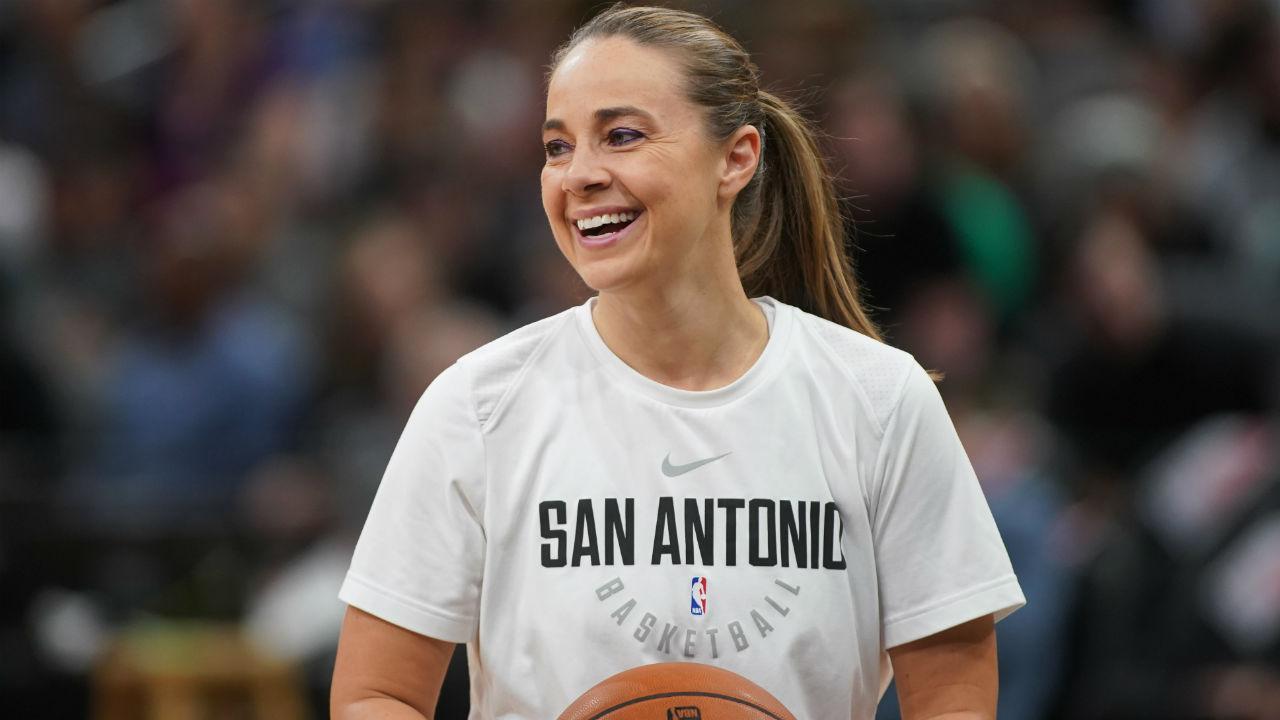 Spurs' Becky Hammon to interview for Bucks head coaching job
