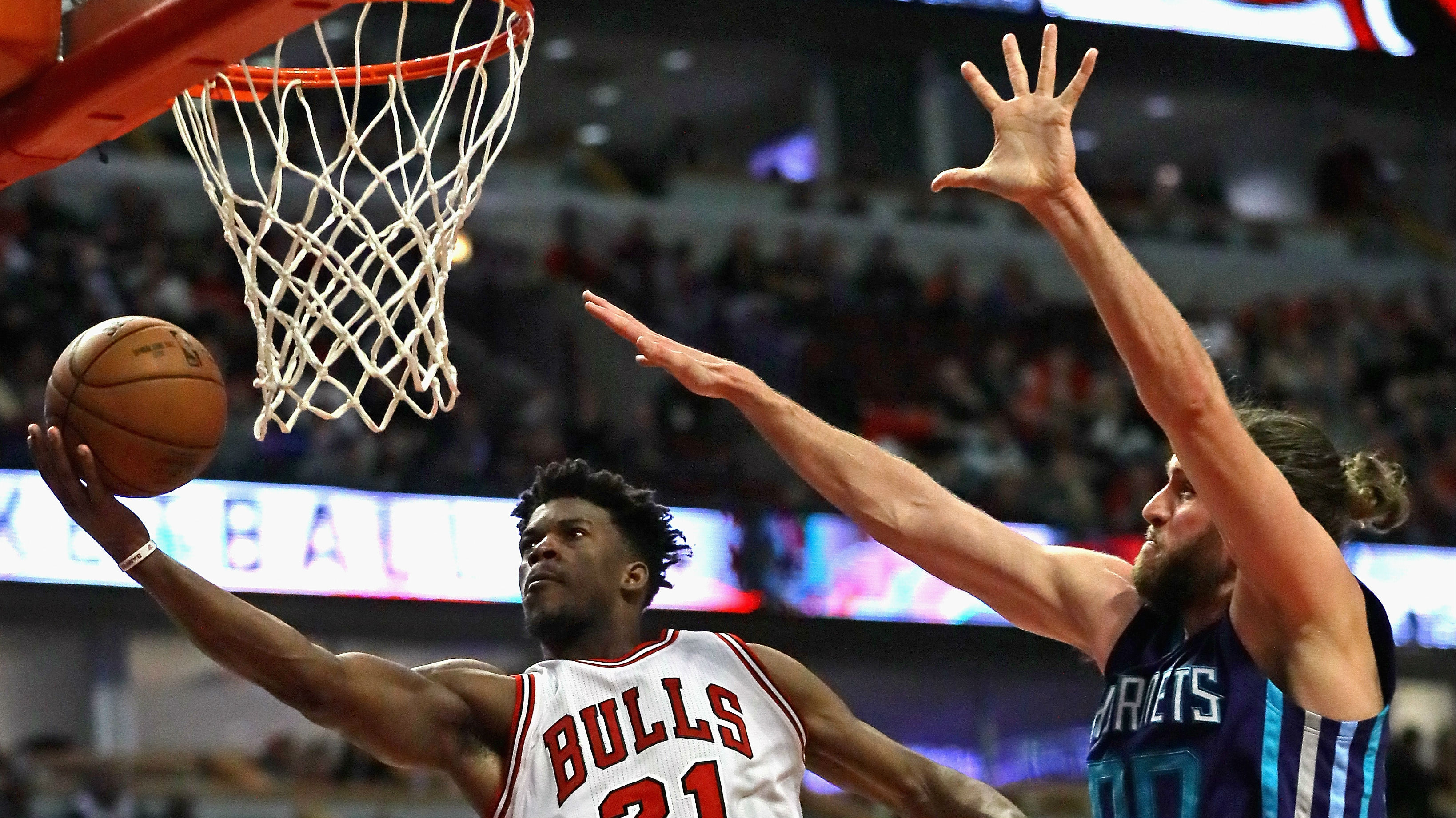 Butler's big night lifts Bulls, Cavs and Warriors win