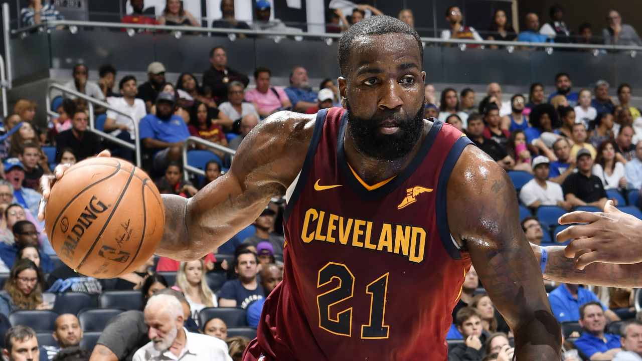 Cleveland Cavaliers sign veteran big man Video