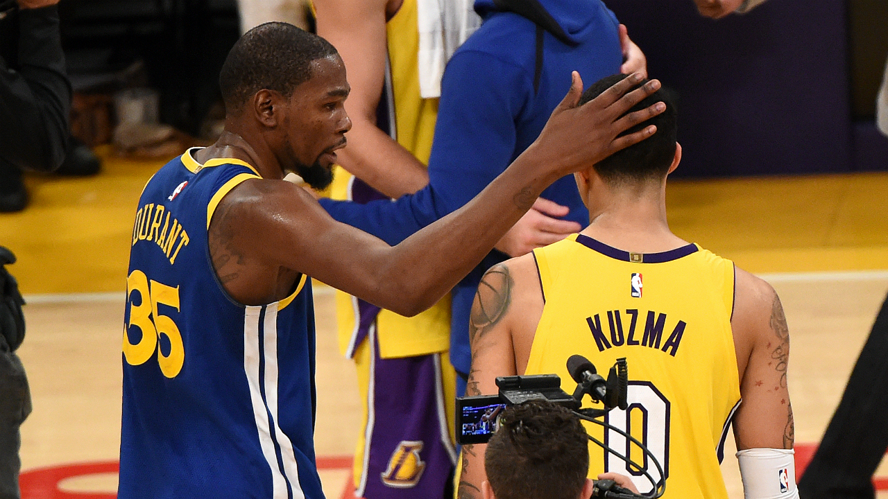 Durant leads Warriors past Lakers