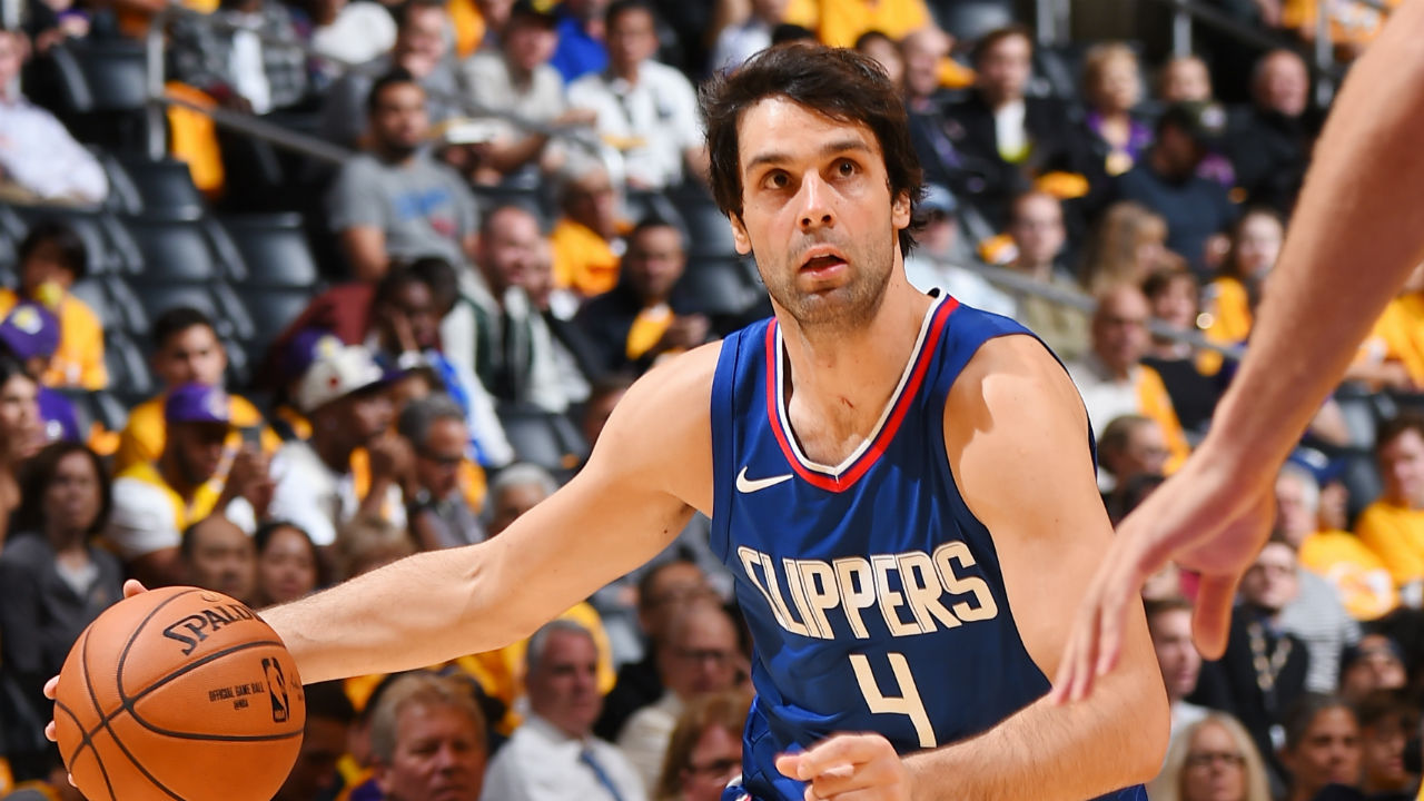 Clippers guard Milos Teodosic out indefinitely with plantar fascia injury