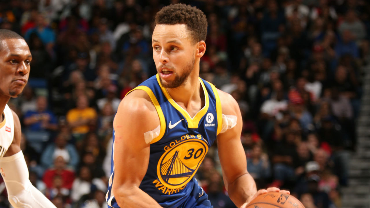 Warriors' Stephen Curry injures right ankle in win over Pelicans; X-rays negative