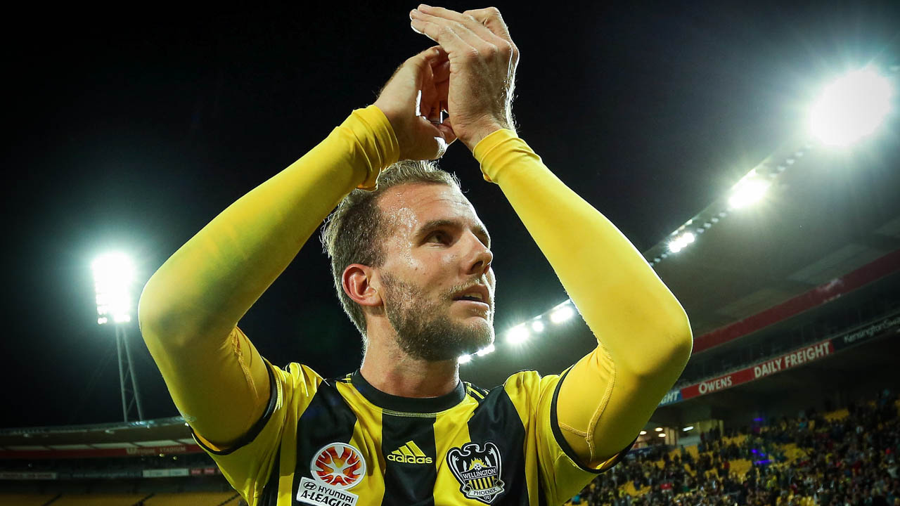 Jeremy Brockie of the Phoenix applauds the crowd after the final whistle during the A-League match between Wellington Phoenix and the Melbourne Victory. Jan 18 2014