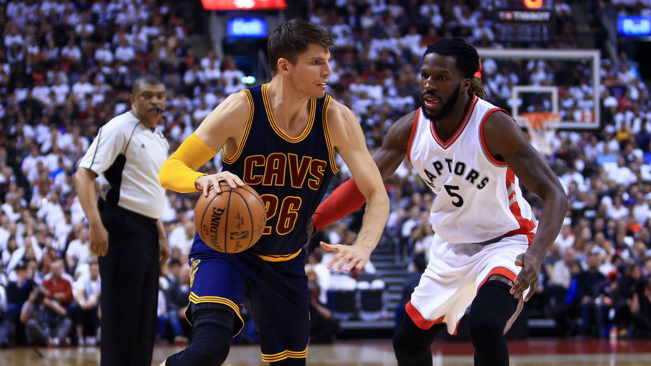 Cavaliers to re-sign Kyle Korver for 3 years, $22 million