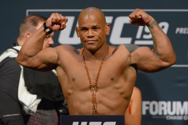 UFC Fight Night 105: Lewis vs