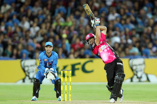 Moses Henriques of the Sixers bats