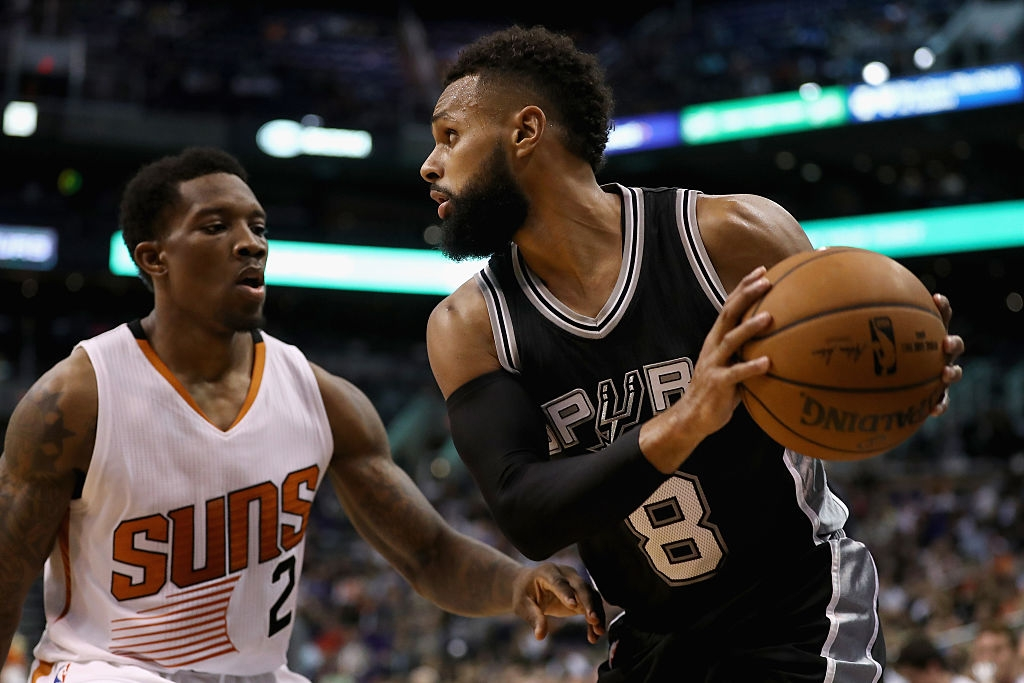 Devin Booker has 39 points, Suns beat Spurs in Mexico City