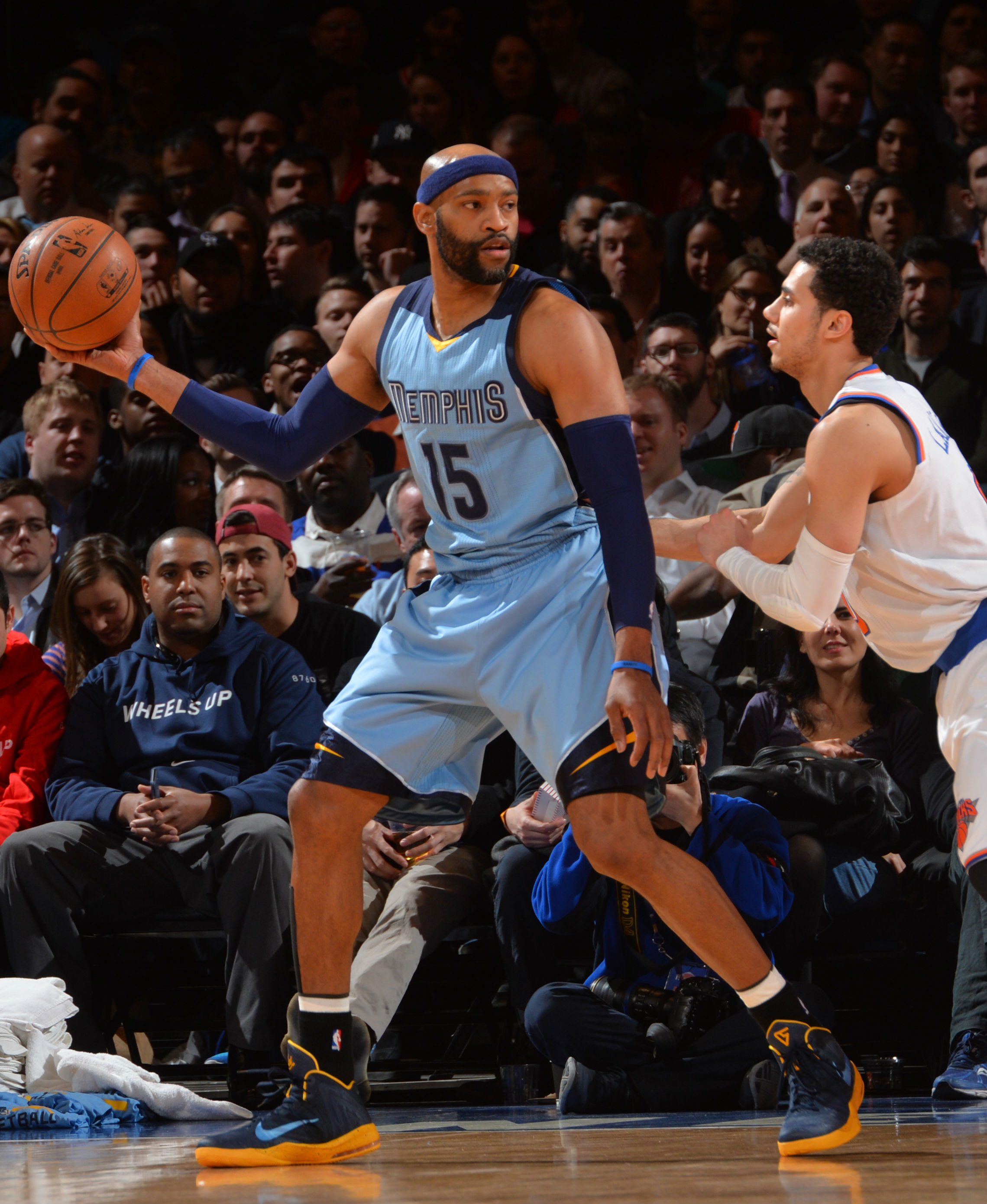how many teams has vince carter played for