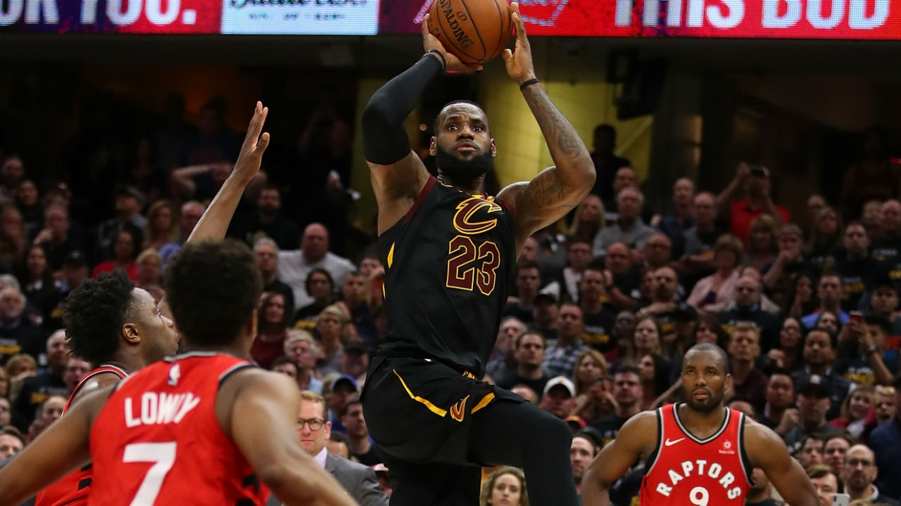 WATCH: LeBron James banks game-winning floater at the ...