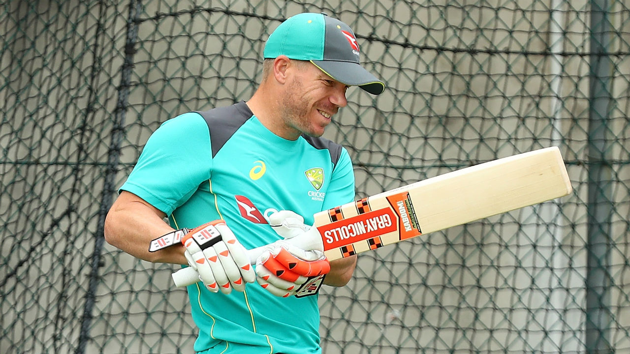 Despite stiff neck, Warner determined to play first Ashes Test