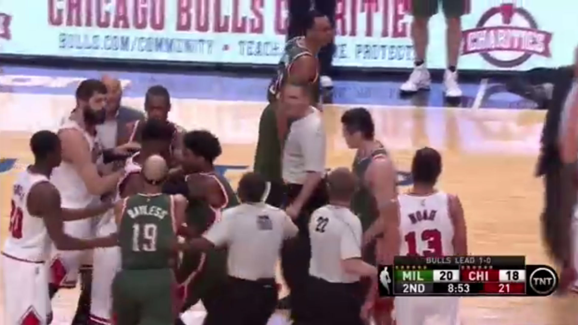 Four players issued technicals for shoving match in Bucks-Bulls