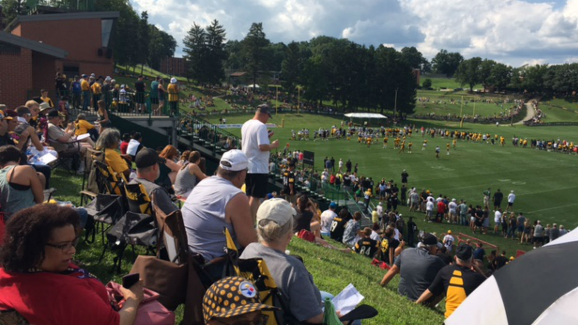 At Steelers training camp, a familiar 'bucket-list' feel for fans then and now