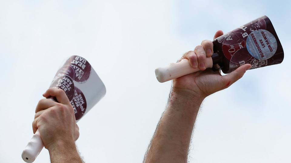 Mississippi-state-cowbells-092315-getty-ftr