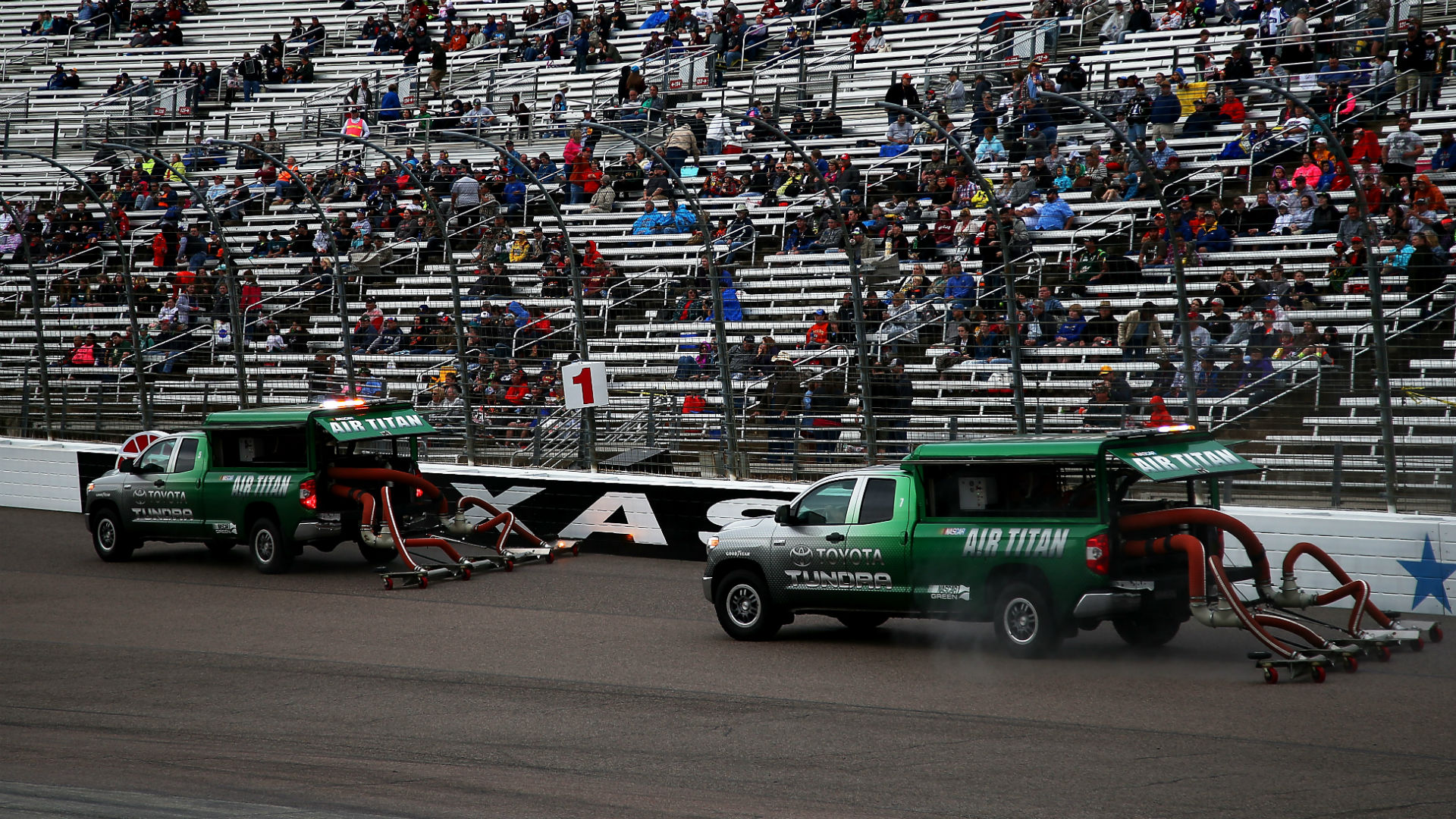 Nascar race at texas underwent lengthy rain delay prior to for Nascar tickets for texas motor speedway
