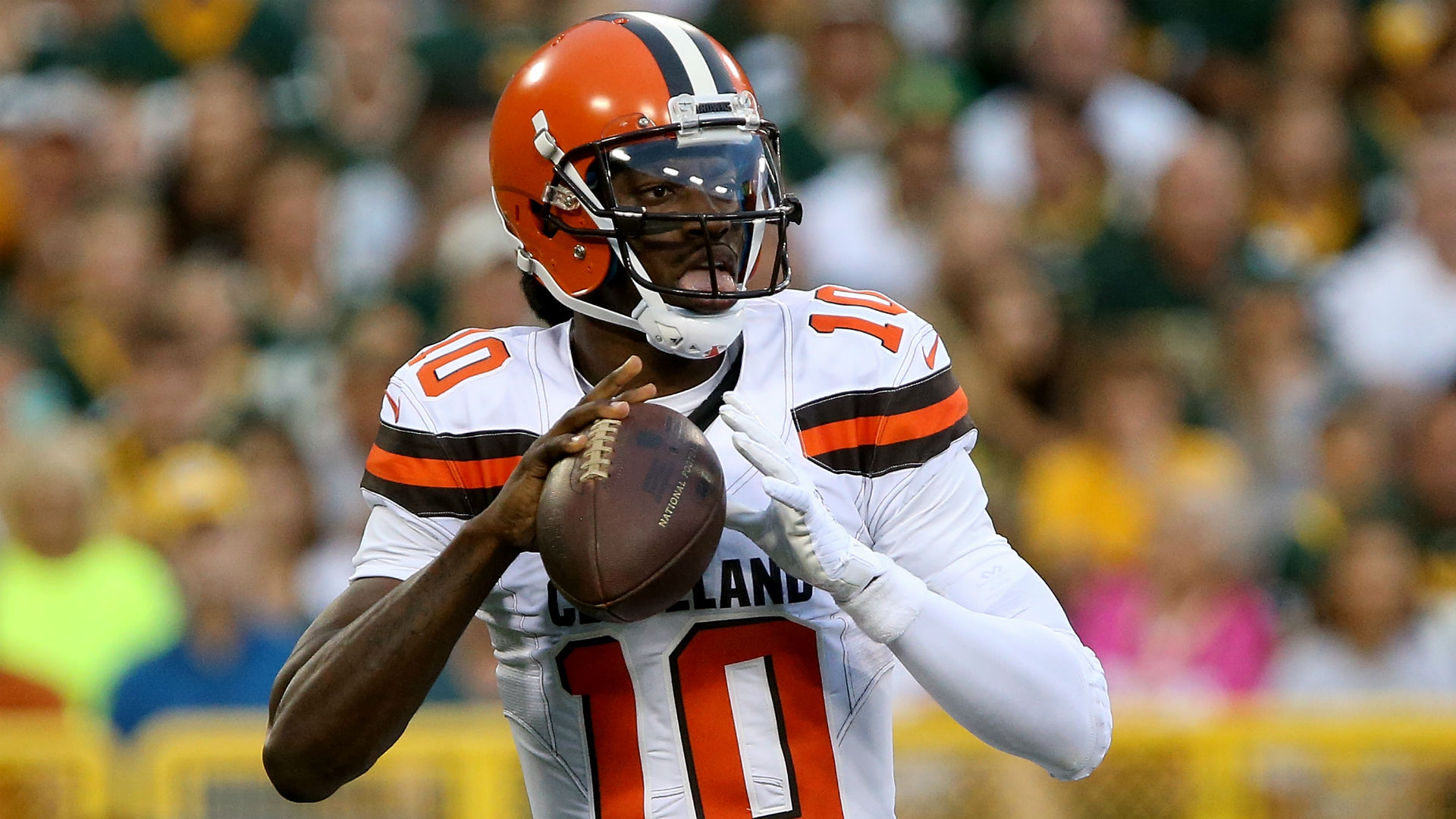 Ex-Browns QB Robert Griffin III signs with Ravens
