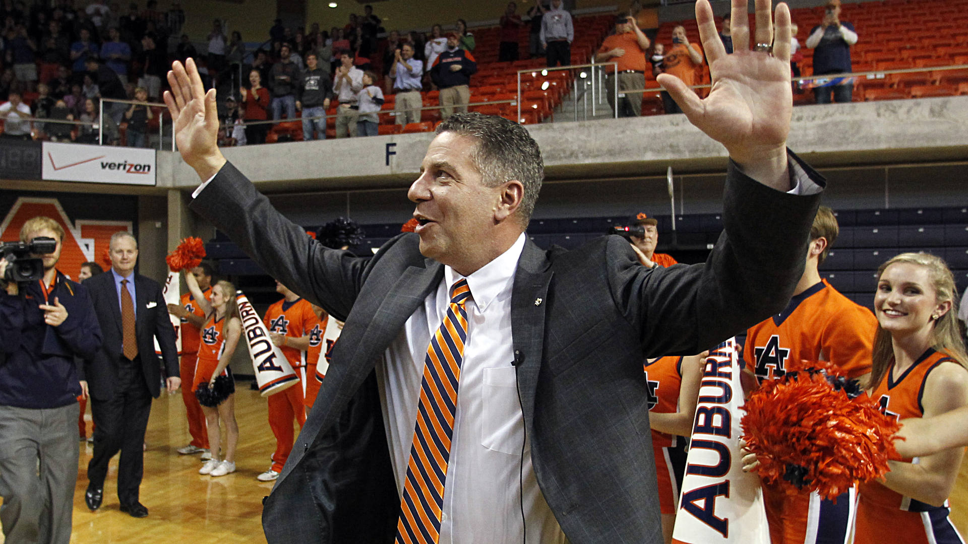 Bruce Pearl says he 'ran a clean program' at Tennessee