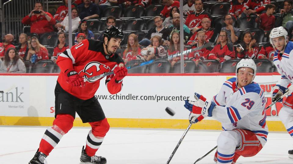 Brian Boyle scores first career hat trick on Hockey Fights Cancer night ·  NHL 528f35059