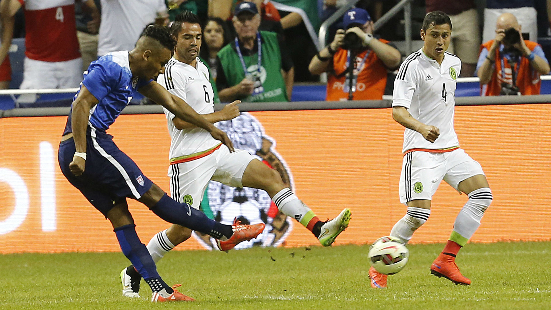 U.S. youngsters help their cause in victory over Mexico