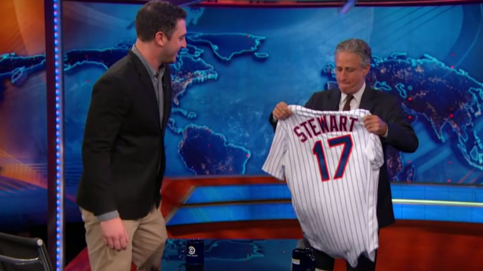 Jon Stewart asks Matt Harvey how Jacob deGrom's hair smells