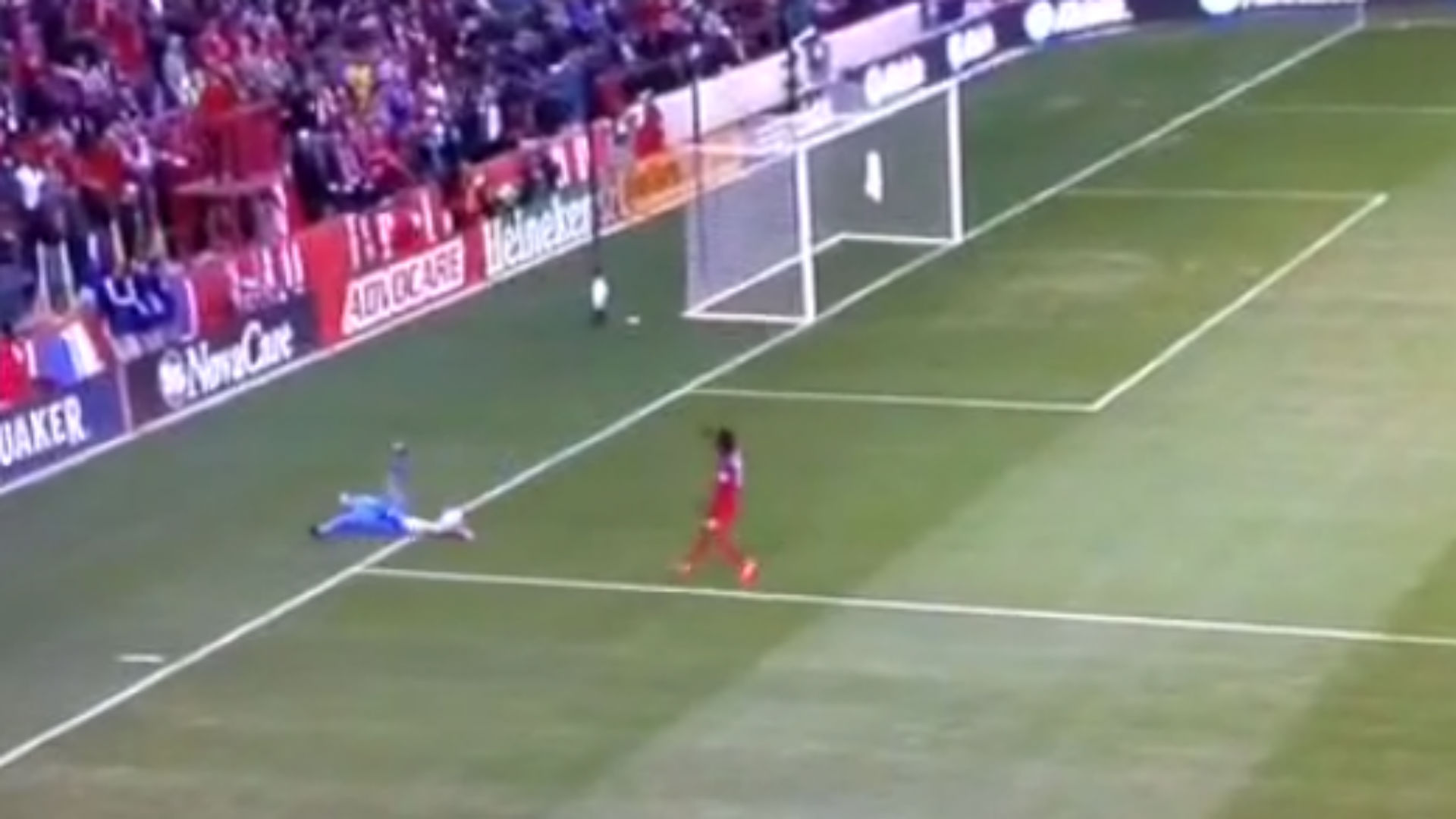 Goalkeeper Ryan Meara botches routine play, concedes game-deciding goal