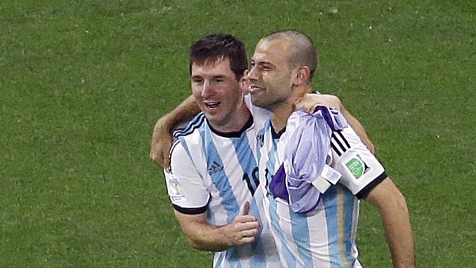 Messi-Mascherano-FTR-070914.jpg