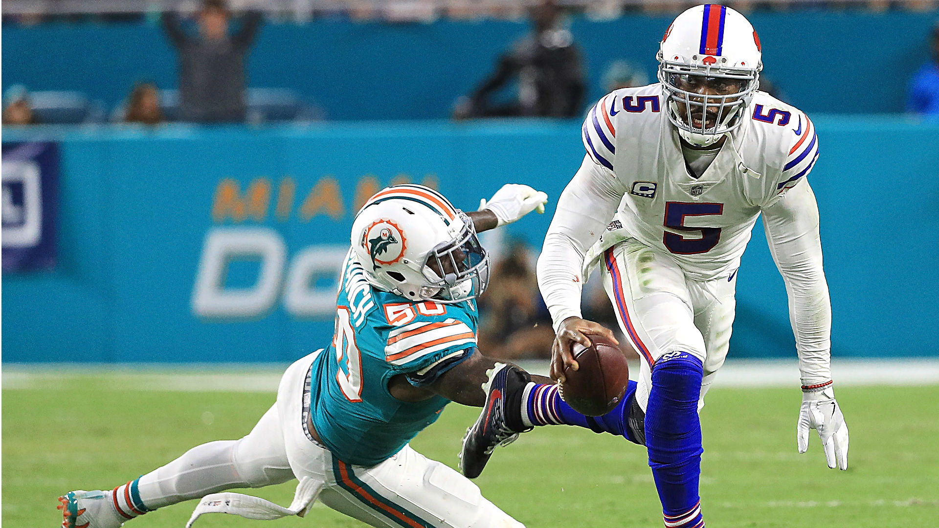 LeSean McCoy injury: Buffalo Bills running back carted off field against Dolphins