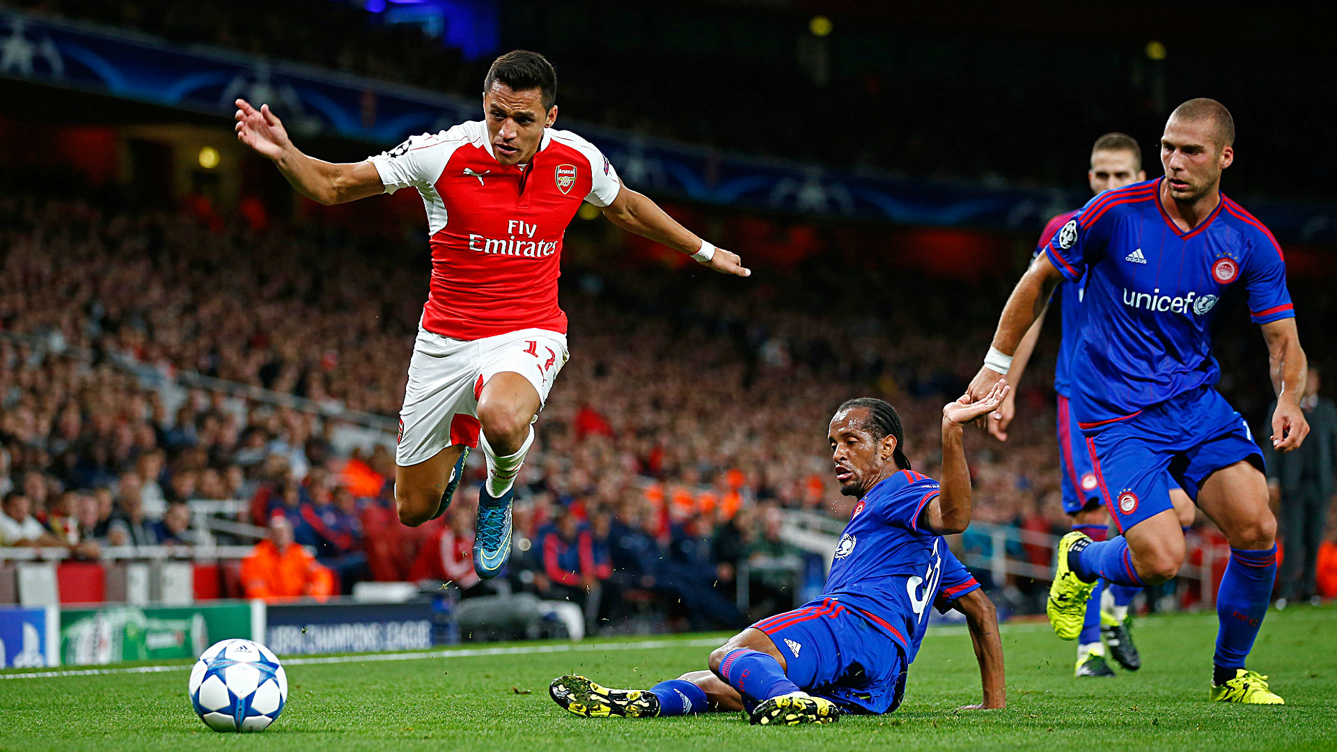 Manchester United vs. Arsenal odds and pick - Goals will come late