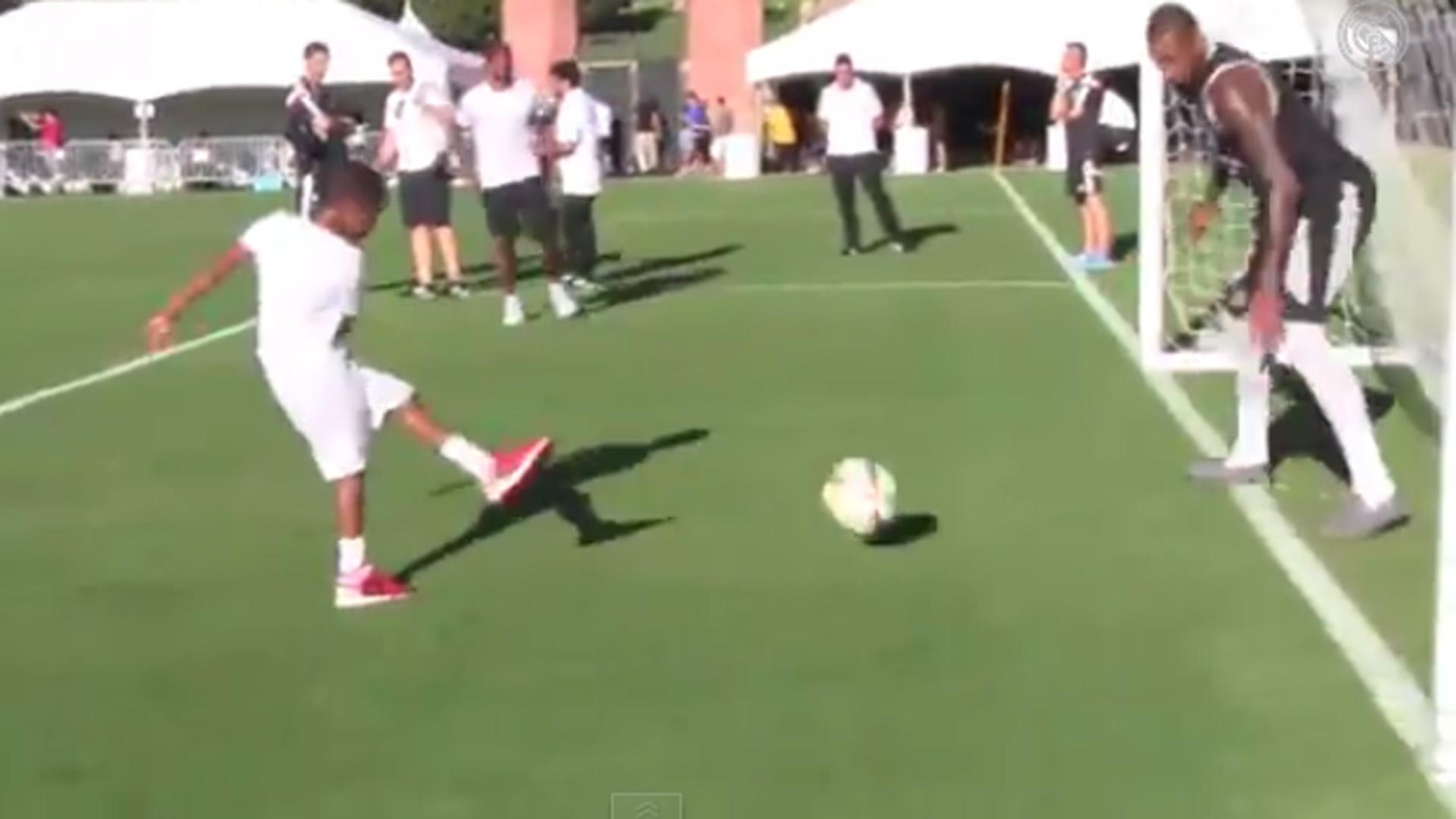 carmelo-anthony-soccer-072414-youtube-ftr