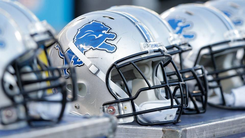 lions-helmet-110818-getty-ftr.jpg